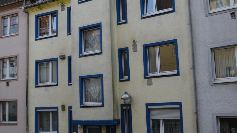 Solides Mehrfamilienhaus mit 6 Wohneinheiten als Kapitalanlage…