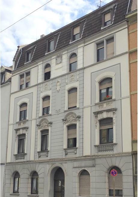 10-Familienhaus aus der Gründerzeit mit Balkonen und Garten in Hagen-Haspe..