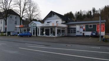 Autohaus mit Werkstatt, Büro, Bestandskunden und 3 Wohnungen  in Lüdenscheid-Brügge
