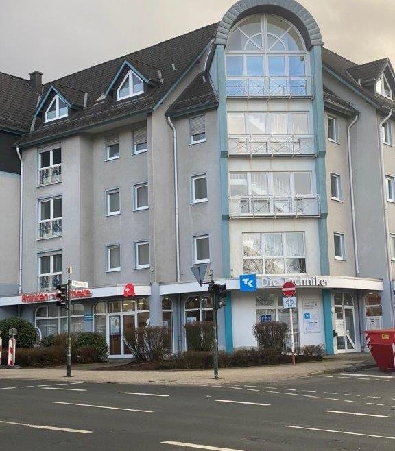 Große Büroetage im zweiten Obergeschoß mit zwei Stellplätzen in zentraler Lage in Lüdenscheid