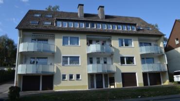 Gemütliche Eigentumswohnung am Honsel mit Balkon und zwei kleinen Garagen…