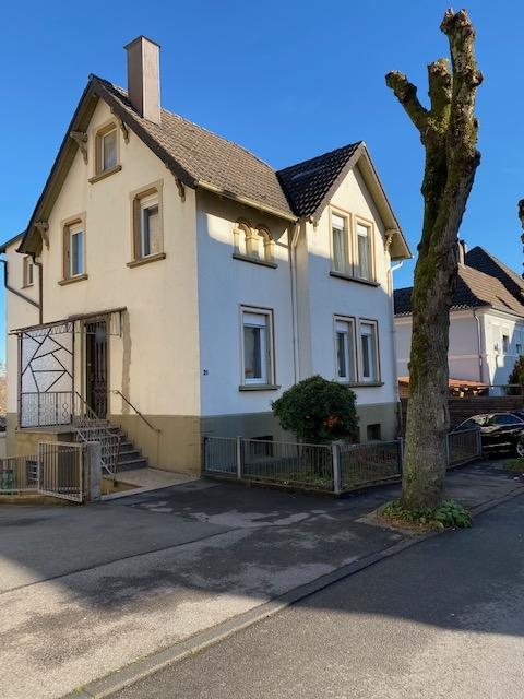 Gepflegtes freistehendes Einfamilienhaus in guter stadtnaher Lage mit Garten und Garage
