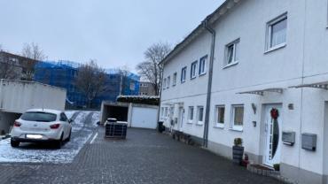 Reihenmittelhaus mit großer überdachter Terrasse, Sauna, Garten und Garage in ruhiger Lage von Lüdenscheid-Gevelndorf